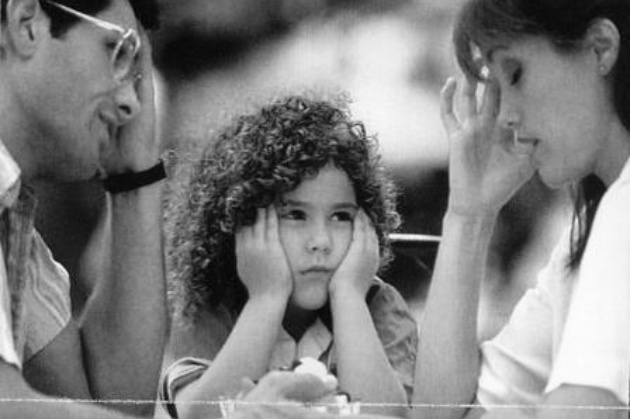 Crisi della famiglia moderna e insicurezze dei genitori