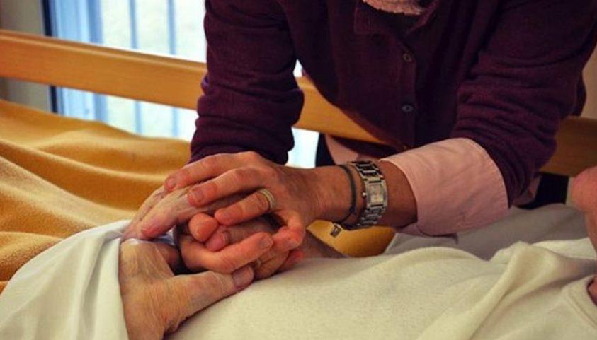 Muoiono solo anziani e malati…